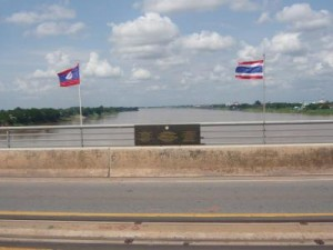ponte thai laos 1 tuttolaos