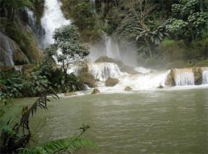 luang-prabang-waterfall-tuttolaos