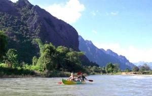 vang-vieng-kayaking-tuttolaos