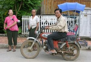 laos si spengono le luci 3 tuttolaos