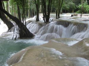 tour laos nuove esperienze 11 giorni kuang si tuttolaos