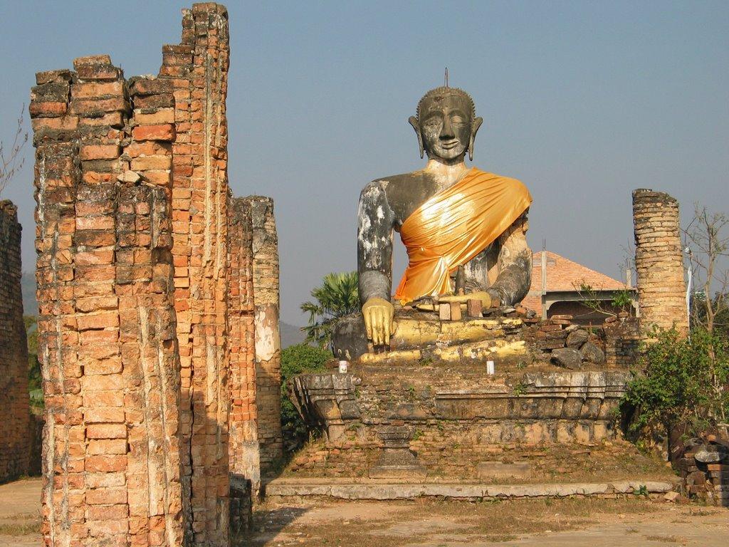 Wat Phiawat, dove Buddha sconfigge la guerra